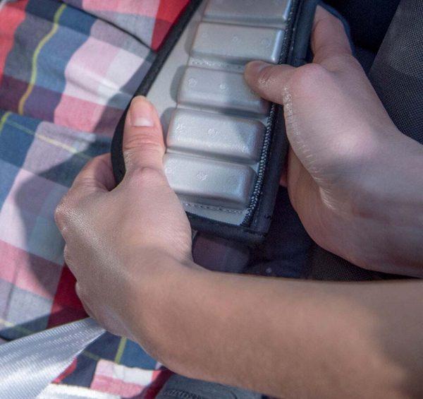 Speciali imbottiture all'interno degli spallacci per assorbire ulteriormente l'energia di una collisione